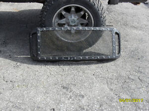 2006 Grill from a Ford F350