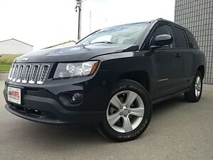2016 Jeep Compass North 4X4 AUTO LEATHER/CLOTH ALLOYS London Ontario image 3