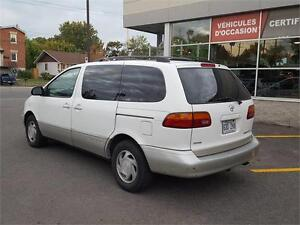 1999 Toyota Sienna LE CUIR TOIT MAGS West Island Greater Montréal image 12