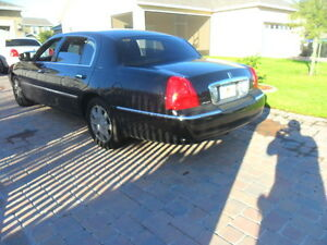2006 Lincoln TownCar,Loaded,Black,HiwayKm,PrivateUsed,Wellmaint