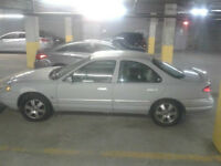 1998 Mercury Mystique Berline--500.00 FERME--