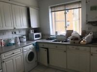 Lovely single room to rent in Edgeware Furnished. £400 including All bills in Millhill Edgware.