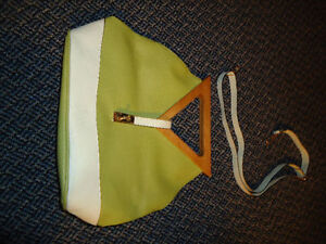Ladies White And Green Two-In-One Purse Kingston Kingston Area image 4