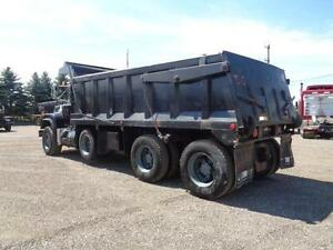 1998 MACK RB TRI-AXLE DUMP, 19'FT STEEL EXCAVATOR BOX Kitchener / Waterloo Kitchener Area image 5
