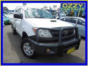 2007 Toyota Hilux KUN26R 07 Upgrade SR (4x4) White 5 Speed Manual Cab Chassis Penrith Penrith Area Preview