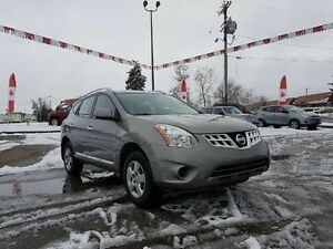 2013 Nissan Rogue S AWD!