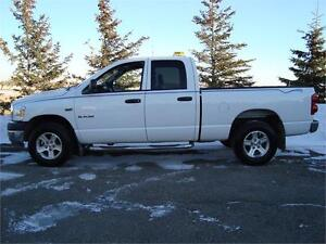 2008 DODGE RAM 1500 SLT QUADCAB SHORTBOX 4X4 5.7L HEMI  $9,450.