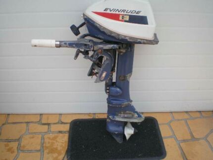 EVINRUDE 6 HP 2 stroke, outboard motor with 3 gallon fuel tank Blacktown Blacktown Area Preview