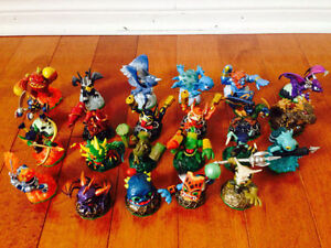 130 SKYLANDERS (SPYRO, GIANTS, SWAP FORCE, TRAP TEAM), Wii GAMES