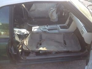 """PARTING OUT OR COMPLETE 1990 Mustang 5.0 vert """"7up car""""  Peterborough Peterborough Area image 4"""
