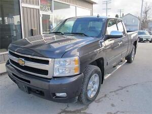 2010 Chevrolet Silverado Extra cab fully loaded 4x4 Pickup Truck