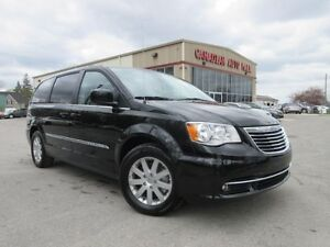 2016 Chrysler Town & Country TOURING, NAV, BT, HTD. SEATS, 27K!