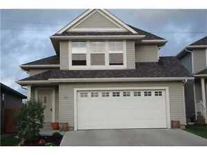 2005 Bi Level In Beautiful Neighbourhood Sherwood Park