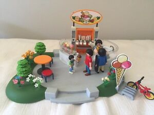 Playmobil ice cream shop and beach