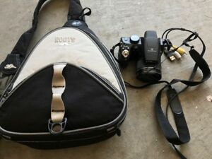 Fuji Finepix Camera for Sale - Comes with Roots Bag for Sale