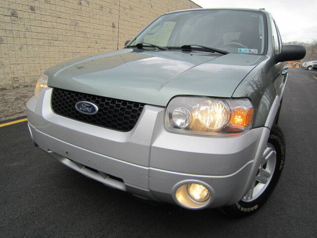 Image 1 of Ford: Escape 4dr 2.3L…