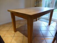 SOLID OAK DINING TABLE 160CM LONG 90CM WIDE + 4 HIGHBACK CHAIRS