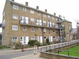 Lovely spacious upper floor four bedroom flat in Hammersmith W6.