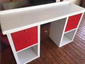 White Desk Narromine Narromine Area Preview