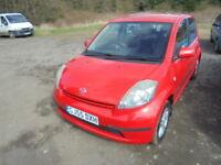 Daihatsu Sirion 1.3 SE (red) 2005