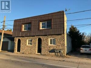 LARGE 3 BEDROOM (possibly 4) FOR FAMILY OR SHARED ACCOMODATION