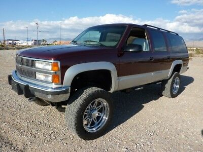 1992 Chevrolet Suburban  1992 CHEVROLET SUBURBAN 2500 4X4 454 BIG BLOCK ONE OWNER AS NICE AS THEY COME
