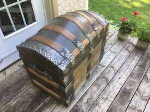 Beautiful romadka brothers trunk coffre malle antique 1880's