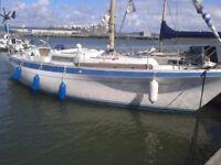 33 foot moody yacht