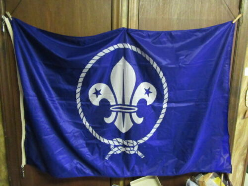 World Scouting, World Crest Nylon Flag, 36 by 56     TH3