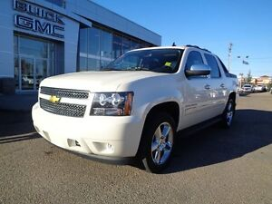 2011 Chevrolet Avalanche 1500 LTZ - 4x4! Leather, Sunroof