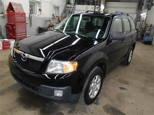2010 Mazda Tribute G X  AWD