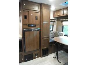 2017 Palomini 179RDS Ultra Lite Travel Trailer with Slideout Stratford Kitchener Area image 8