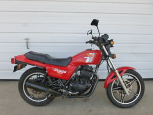 1982 Honda Ascot FT500 tracker/cafe thumper Project Bike$900