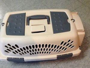Small dog/cat crate Kitchener / Waterloo Kitchener Area image 1