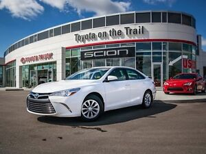 2015 Toyota Camry LE, Touch Screen, Back Up Camera, AUX/USB, Blu Edmonton Edmonton Area image 1