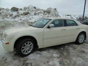 2009 Chrysler 300  Limited Sedan/sunroof/Heated Seats/Leather