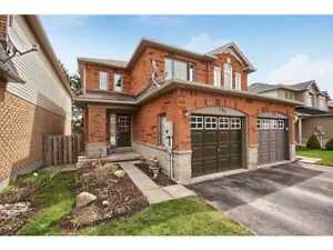 Full Townhome for LEASE in Barrie on Leslie St