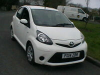 14 REG TOYOTA AYGO 1.0VVTI MOVE 5 DR HATCH SAT NAV IN WHITE HPI CLEAR WARRANTY
