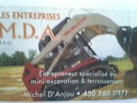 terrassement -paysagement - nivelage - top soil -mini excavation