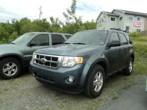 GAS SAVER! 2011 Ford Escape XLT- 4 CYL ENGINE!!! FINANCING AVAIL