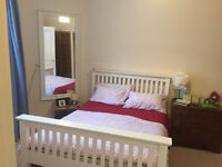 Lovely, fully furnished 1 bed flat just off Leith Walk ***viewings now full***