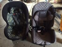 car seats / like new /25$ each