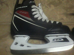 CCM Intruders BRAND NEW NEVER USED SIZE 2