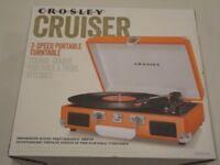 Crosley Cruiser Briefcase Style Retro Vinyl Turntable *New* Orange or Black
