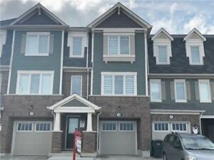 3 + 1 Bedrooms Townhouse Home in Brampton