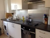 2 bed flat Tufnell Park Kentish Town- £340 p/w 1 minute from tube no agency fees as I'm the lanlord