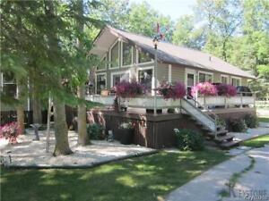 NORTH GIMLI 3 BEDROOM COTTAGE FOR RENT