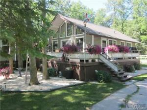 NORTH GIMLI (BREWSTER BAY) 3 BEDROOM COTTAGE FOR RENT