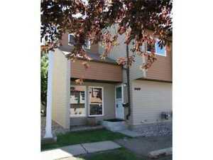 3 bedroom townhouse southside keheewin close to century park