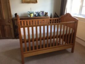 Mamas & Papas Ursula Cot Bed including mattress